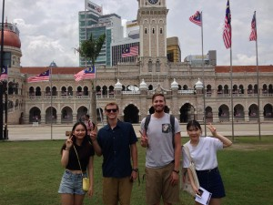 Some Korean friends we met outside of Bangunan Sultan Abdul Samad Building (باڠونن سلطان عبدالصمد).  This is where the Malaysian Ministry of Information is located.