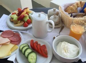 The breakfast I enjoyed each morning on my patio.  Greek yogurt with honey and fresh fruit :)