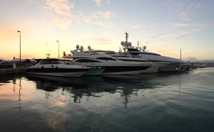 A lot and lot of medium sized yachts in Cannes.  Most were between 130 feet and 230 feet, but there were a TON.