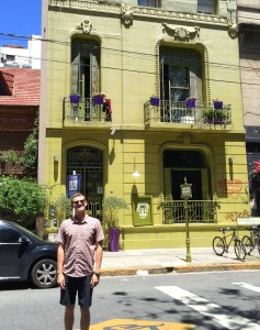 Me and a building I liked in Palermo Soho.